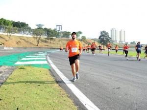 Jesus correndo entre nós