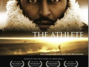 A história de Bikila, primeiro bicampeão olímpico da maratona. Em 1960, em Roma, correu descalço