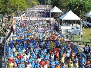 Largada da matatona e dos 25K da maratona de São Paulo 2013 - Jornalistas que Correm estavam lá