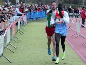 O espanhol Anaya oferece a vitória ao verdadeiro vencedor, Abel Mutai
