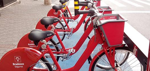 Uma bike segura. Segura tanto que é difícil pedalar