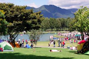 Parque Simon Bolívar, um dos maiores e mais conhecidos da cidade