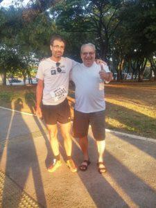 Com o sogro e coach espiritual Juarez Medeiros antes da largada
