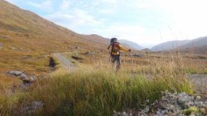 Tempo bom (e 25 quilos nas costas) nas Highlands/Foto: Gui Cavallari